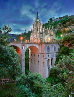 see-the-stunning-las-lajas-sanctuary-in-colombia-4